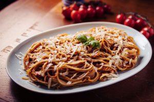 Spaghetti mit Tomatensauce Deluxe